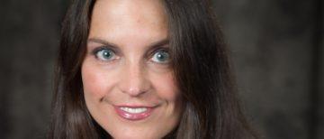 Dr. Andrea Veljkovic Awarded the AOFAS Women's Leadership Award for 2021